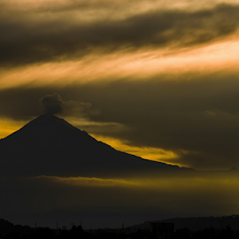 Popocatepetl, smoking at sunshine by Cristobal Garciaferro Rubio - Landscapes Sunsets & Sunrises ( clouds, volcano, mexico, puebla, volcanoes, sunshine, sun )