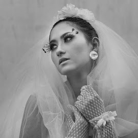 by Sukamoto Bencidisko - Wedding Bride