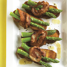 Warm Asparagus Toast with Pancetta and Vinaigrette