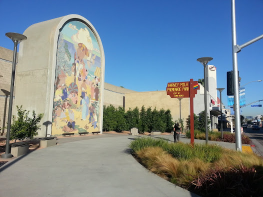 The restored historic mural was re-installed as a prominent focal point at the north end of Long Beach's 3-block long public Promenade.