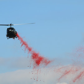 Poppy drop by David Ferris - Transportation Helicopters