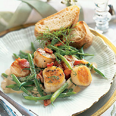 Scallops and Haricots Verts with Creamy Bacon Vinaigrette