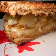 Chicken-Thyme-Pear-Brie Sandwich