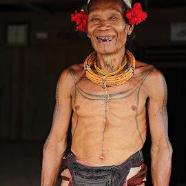 Sikerei Mentawai  by Sri Rahmi  Purnamasari - People Portraits of Men