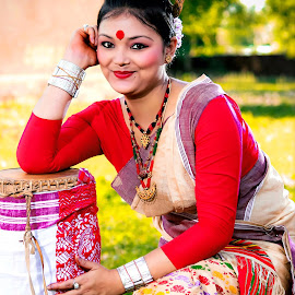 Naashoni by Abhigyan Sarmah - Novices Only Portraits & People ( assam, bihu, rongali bihu, dhul, beautiful, muga, bihu dancer, gogona, dancer, nashoni, pepa,  )