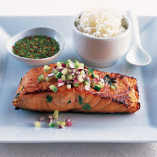 Thai Salmon With Cucumber & Dipping Sauce