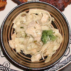 Yuk (Chicken Fettuccini)