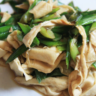 Beancurd Sticks Stir-fried with Chinese Chives