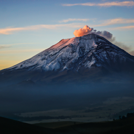 Popocatepetl just in the sunrise by Cristobal Garciaferro Rubio - Landscapes Mountains & Hills ( volcano, fog, mexico, popocatepetl, smoking volcan, snowy volcano, ppopo )