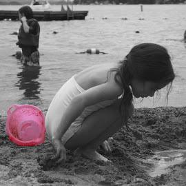 Beach Fun by Maria Gagliano - Babies & Children Children Candids ( sand, selective color, fun, beach, pwc )