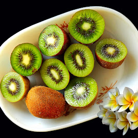 Mouthwatering kiwi by Asif Bora - Food & Drink Fruits & Vegetables