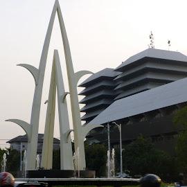 by Felix Widiyanto - Buildings & Architecture Statues & Monuments ( budaya, simpang lima, semarang, traditional, taman kb )