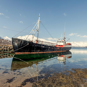 Veslegut by Benny Høynes - Transportation Boats ( easter, lake, bluesky, boat, norway )