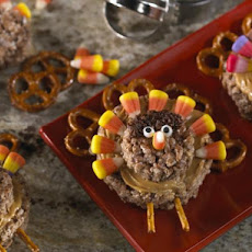 Pretzel-Tailed Turkey Treats™