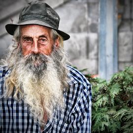 Old man by Antonio Amen - People Portraits of Men ( old man )