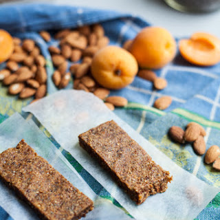 Five Ingredient Almond Apricot Chia Power Bars (Vegan, Gluten Free)