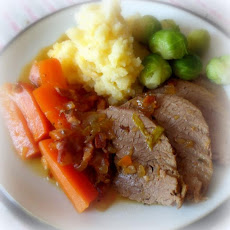 (Braised Beef Brisket with Carrots)