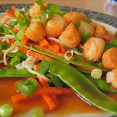 Tangerine-Sesame Noodles With Scallops