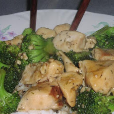 Chicken With Broccoli and Garlic Sauce (5 Points)