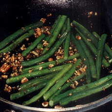 Green Beans with Walnut Gremolata