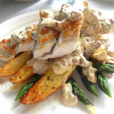 *Chicken, Asparagus and Potatoes in a Garlic Cream Sauce*