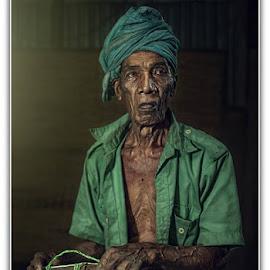Pok Soh by Ijai Aman - People Portraits of Men