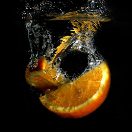 Fresh Orange by Benyamin Kristiawan - Food & Drink Fruits & Vegetables ( orange, sunkist, fresh orange )