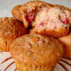 Strawberry N' Creme Muffins - Just Like Eat N' Park! Copycat