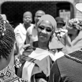 Grooms Mother Speaks by Matt Stern - Wedding Reception ( african wedding, #mattsternphotography, matt stern, matt stern photography, wedding, www.mattsterntalents.com, south africa, matt stern talents, wedding photographer, bride and groom, traditional african wedding )