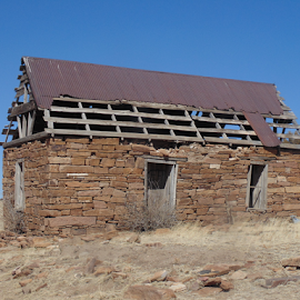 1940s PRAIRIE SETTLERS HOUSE by SHARON ARMIJO - Buildings & Architecture Decaying & Abandoned ( ranch, buildings, antique, prairie, historic )