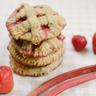 Rhubarb Strawberry Individual Pies