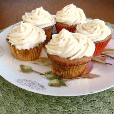 Peaches and Cream Stuffed Cupcakes