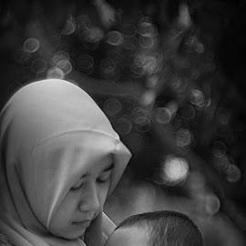 Kasih Bunda by Sidik Subiyanto - Babies & Children Babies ( mama, baby )