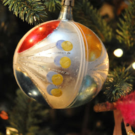 Glowing Christmas by Audrey Anderson - Artistic Objects Glass