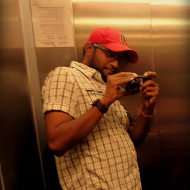 Selfie in the lift. by Pramod Kumar - People Portraits of Men ( photographer, self portrait, self, portraits, photography, portraits of men, Selfie, self shot, portrait )