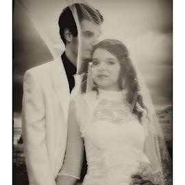 by Ivan Karanusic - Wedding Bride & Groom (  )