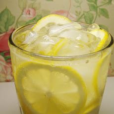Old-Fashioned Lemon Balm Lemonade