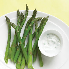 Asparagus with Yogurt Dip