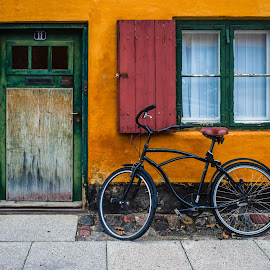 by Xavier Barceló Pinya - Buildings & Architecture Public & Historical ( copenhagen, orange, old, window, façade, door, blinds, bicycle )