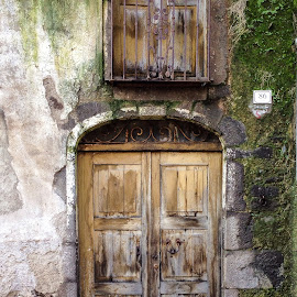 door 86 by Antonello Madau - Instagram & Mobile iPhone