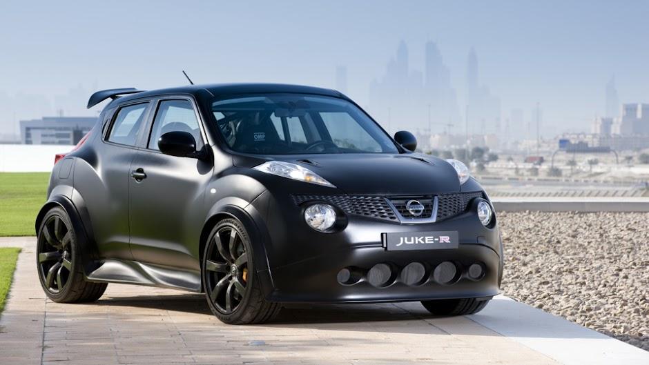 Nissan Juke R Drag Race