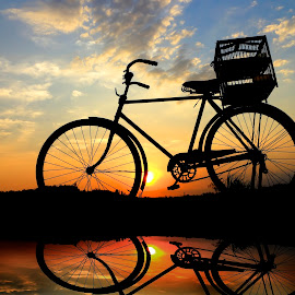 nggabur doro by Wartono Kumpulono - Transportation Bicycles