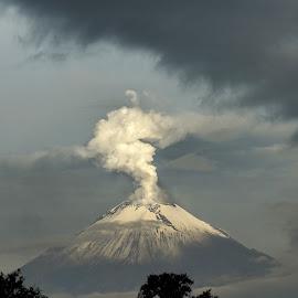 Popocatepet, smoking by Alfredo Garciaferro Macchia - Landscapes Mountains & Hills