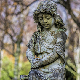 small girl statue by Vibeke Friis - Buildings & Architecture Statues & Monuments ( statue, cemetery,  )