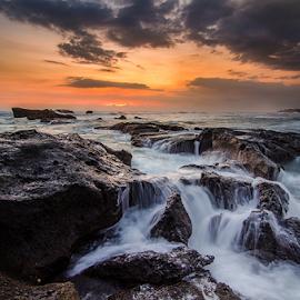 bashin by Raung Binaia - Landscapes Beaches ( clouds, sky, sunset, sea, beach, rocks )