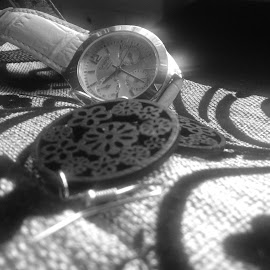 Capturing Time by Nandita Ramesh - Novices Only Objects & Still Life