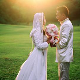 Sunshine Love by Tofan Wisuda Nova - Wedding Bride & Groom ( love, canon, wedding, couple, sunshine, bride and groom, photofan )