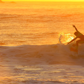 by Matty Gott - Sports & Fitness Surfing