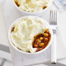 BBQ beans with mashed potato tops
