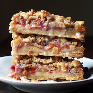 Peach & Pecan Oat Crumble Bars